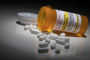 image of a bottle of hydrocodone pills